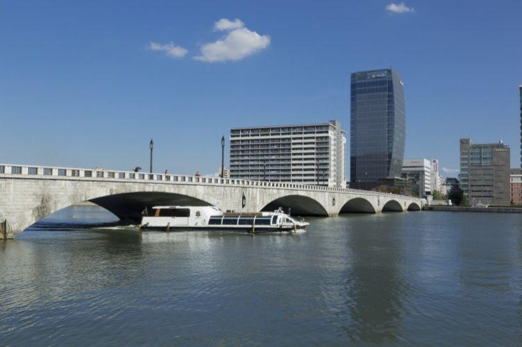 信濃川ウォーターシャトル